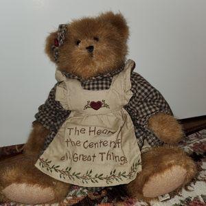 BOYDS BEARS COLLECTION COURTNEY HEARTLEE BEAR